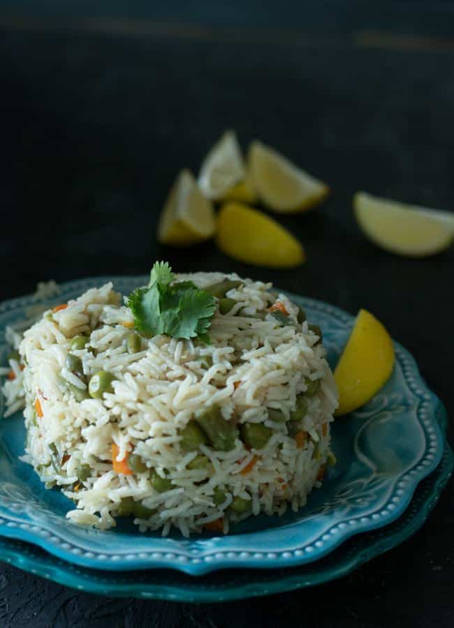 Vegetable pulav, a best comforting recipe to make for the lunch box in the morning busy hours. It is straightforward, just set the timer and start focusing on other stuff. This simple Pulav, easy to make and as tasty as regular biryani. Everyone in our family loved it. Spicier kurma will make a perfect combo for this recipe.