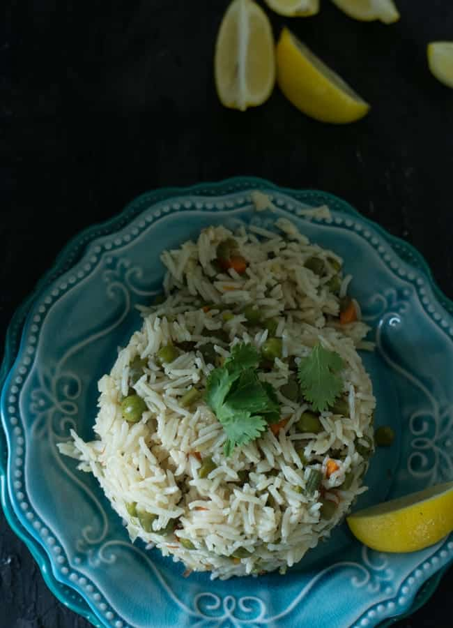 This vegetable pulav is perfectly paired with a spicy curry or spicy stir-fried dish or gravies. It also tastes extremely good with chicken curry or goat curry. On the other hand, simple raita and a lemon wedge is the more satisfying sole mate for this.
