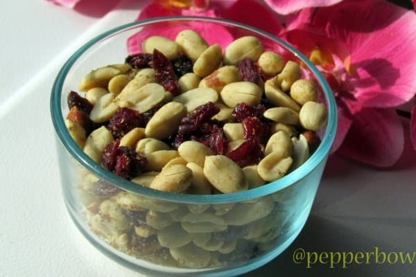 Baked Peanuts with Dried Cranberries