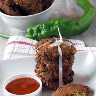 Paruppu vadai recipe- a easy South Indian lentil recipe great for evening snack or appetizer.