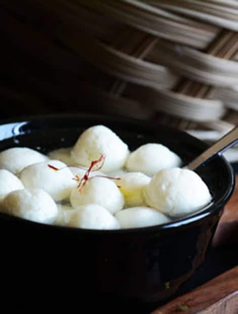 Bengali Spongy Rasgulla Recipe made easy