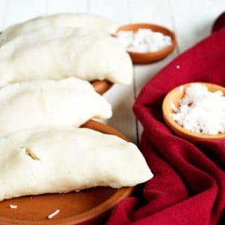 Thengai Poorna Kozhukattai - Coconut stuffed Dumpling