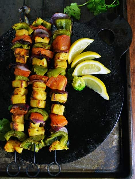 Tandoori Paneer Tikka in Oven recipe simple, quick and perfect for dinner, appetizer, party, game day, for crowd. Make ahead for easy cooking.