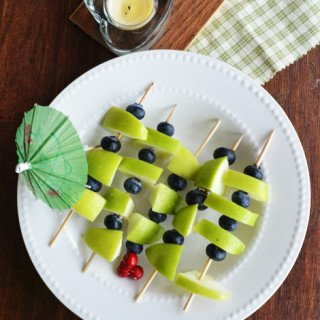 Green Apple Blue Berry Salad-party appetizer Recipe