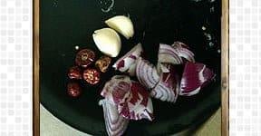 Preparing the ingredients for grinding masala for Beans mezhukkupuratti
