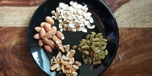 add cashew, almond, walnut and raisins for frying