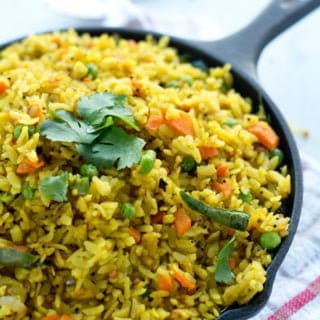 Poha Upma Recipe / Aval Upma yields soft and fluffy poha perfect for breakfast. Explained well with step by step pictures.