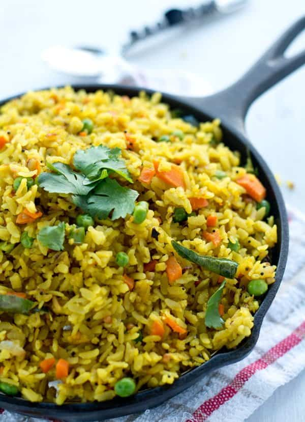 Poha Upma Recipe / Aval Upma yields soft and fluffy pohaperfect for breakfast. Explained well with step by step pictures.