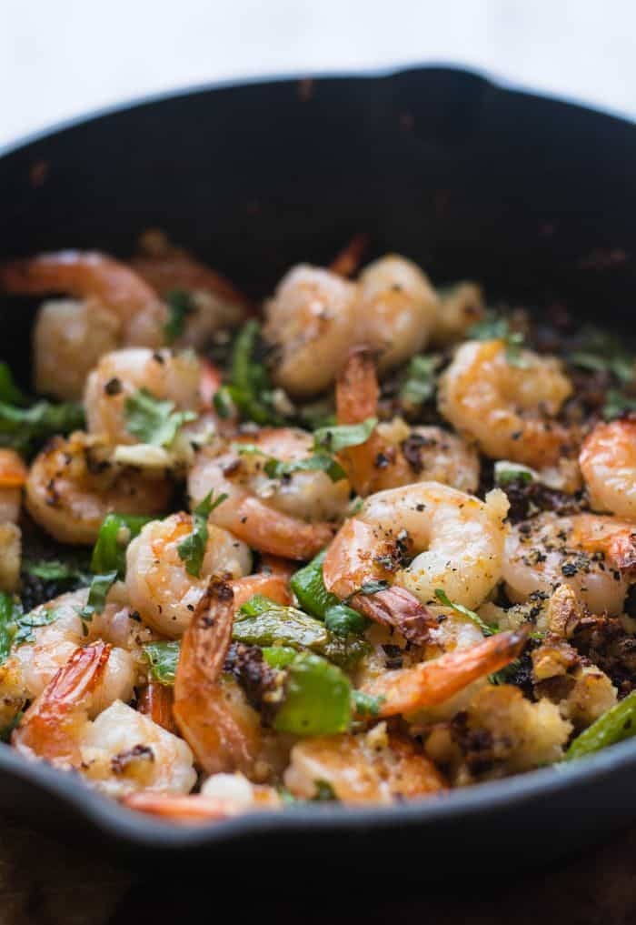 Garlic pepper shrimp recipe, seafood dinner ready in 15 minutes in onepot