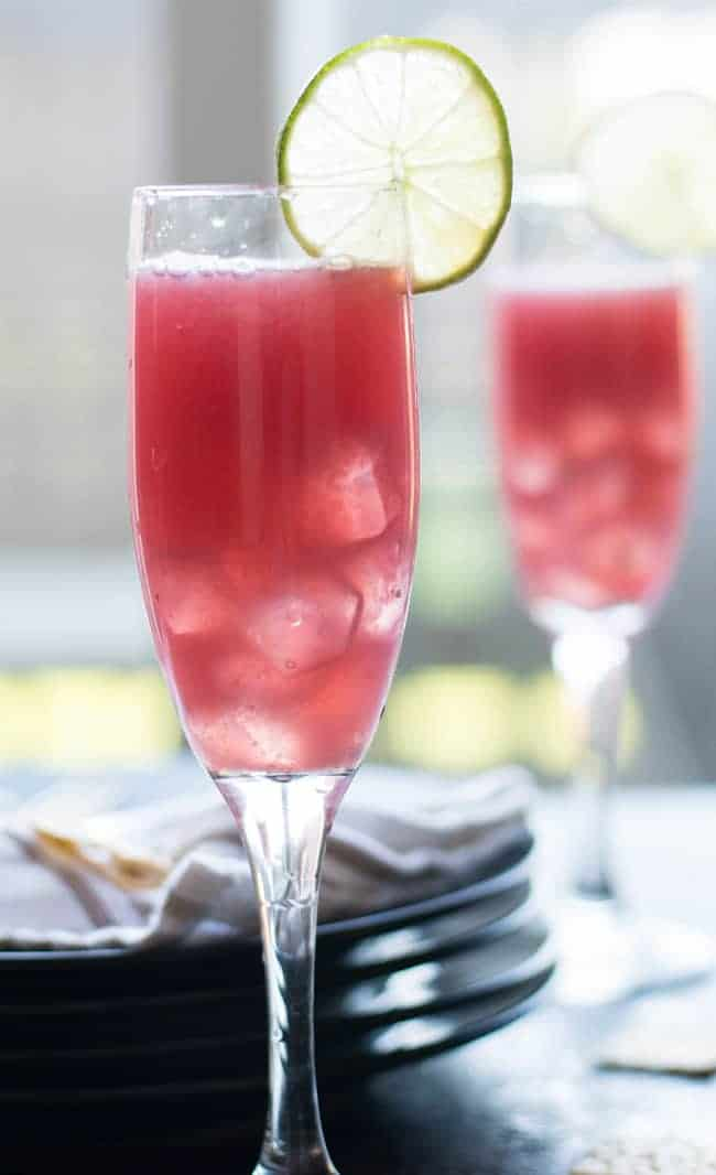 Holiday pomegranate punch recipe, delicious and quick.