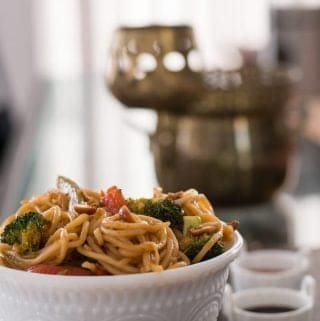 One pot spicy Thai noodles with peanuts recipe