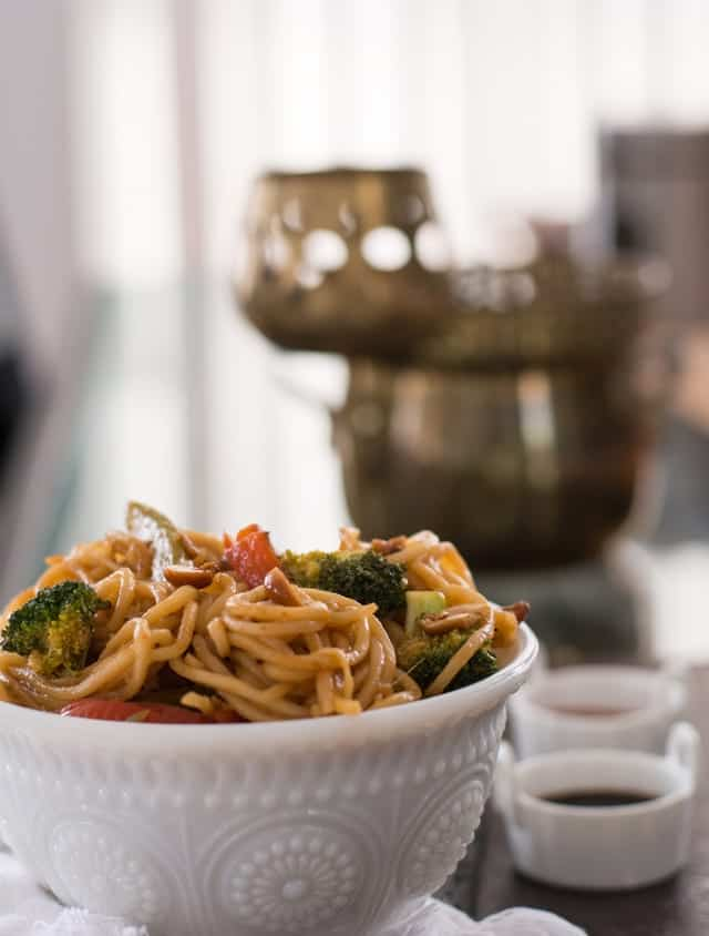 One pot Spicy Thai noodles recipe with peanuts is a healthy, vegan and vegetarian recipe of Pad Thai. Make this homemade asian noodles. A great dinner made under 30 minutes.