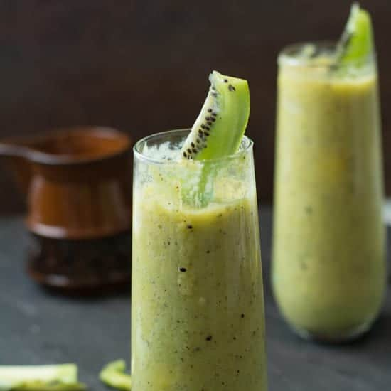 Kiwi Mango Smoothie, a healthy, filling drink perfect for breakfast or for mid day meal. This a creamy, tasty and easy to make.