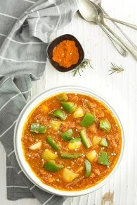 this flavorsome capsicum curry or green pepper curry however you call it. This is very simple and brings home the Indian restaurant. This capsicum masala curry is good to serve with rice or roti or naan bread.