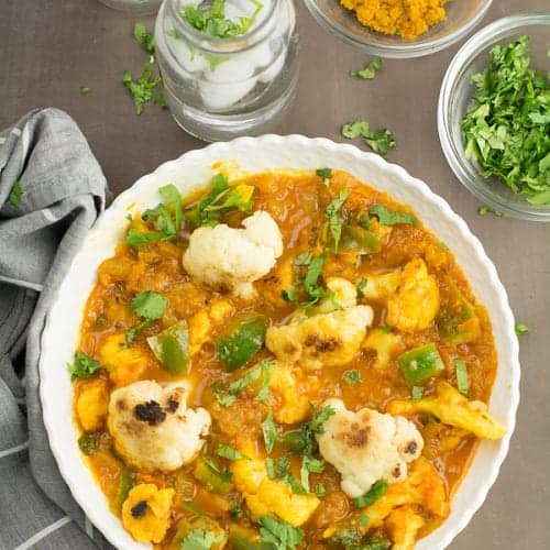 Indian cauliflower curry recipe is simple and delicious. Great to serve with rice and Indian flatbreads like roti or naan. One of the best Indian style recipe for cauliflower.
