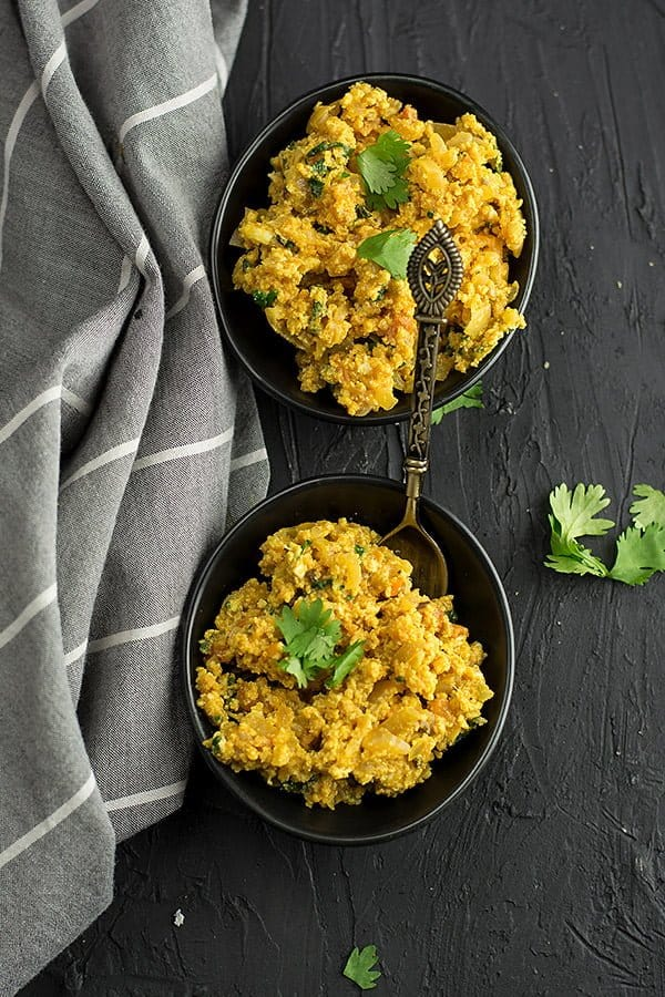 This Indian spicy scrambled egg is very simple to put it together and does not involve huge processing methods. All that you should care about sauteing onion and tomato.