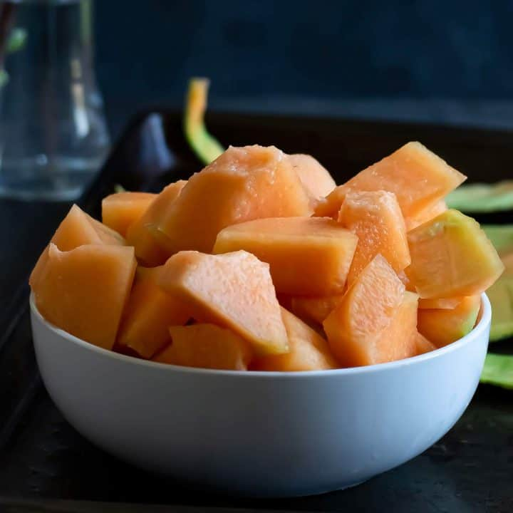 How to cut cantaloupe without much waste.