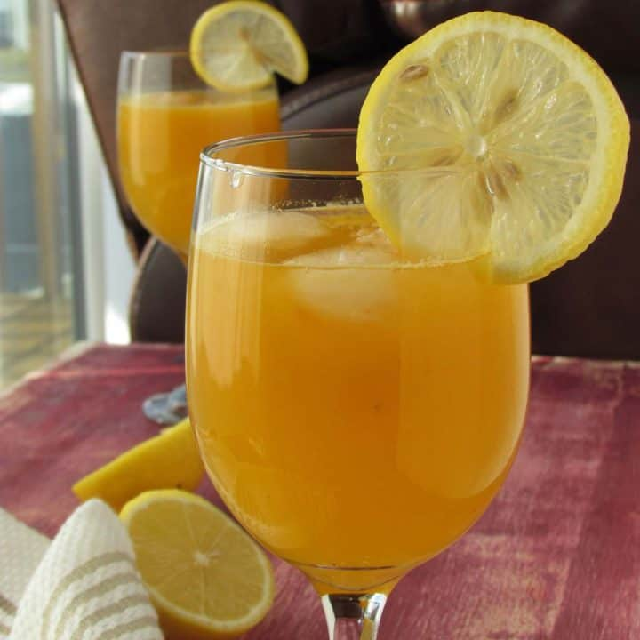 Orange punch made with real fresh fruits, best for party or for family!