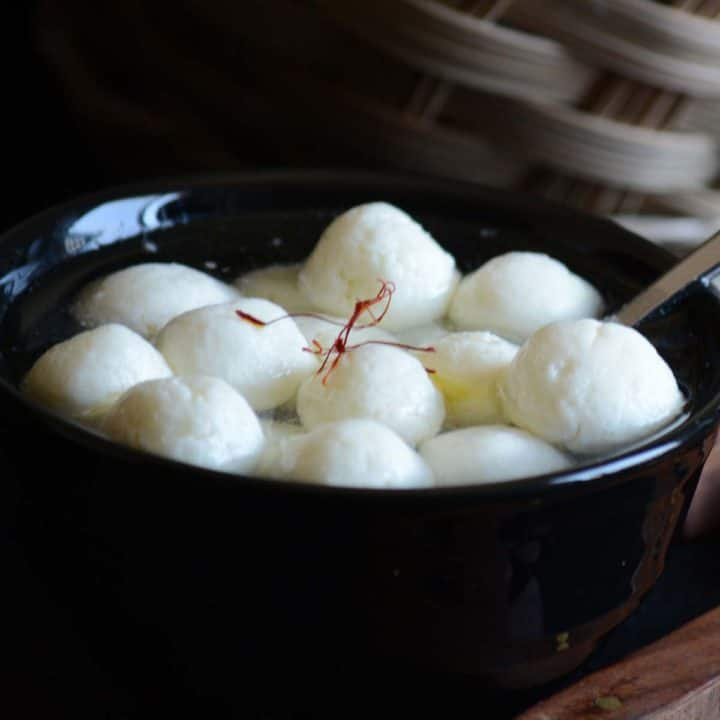 Rasgulla with ricotta cheese is a simple